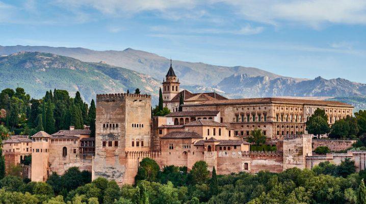 excursion escolar a la Alhambra viaje fin de curso a granada. excursión escolar a granada