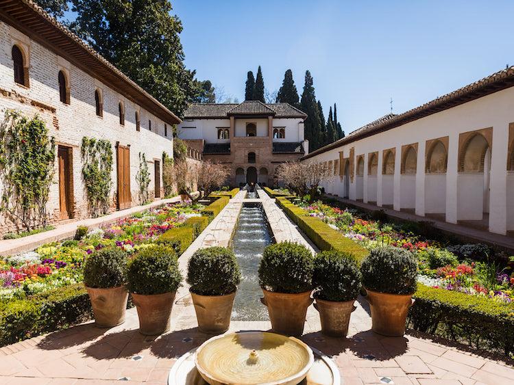 excursion escolar a la Alhambra . oferta viaje fin de curso a granada. excursión escolar a granada