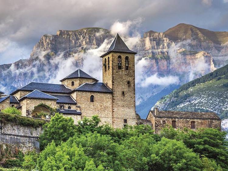viaje fin de curso pirineo aragonés port aventura